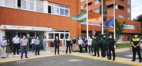La Autoridad Portuaria de Almería guarda un minuto de silencio por el #COVID19