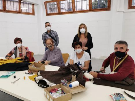 Moros y Cristianos de Vera y la concejalía de Cultura imparten un taller gratuito de indumentaria histórica