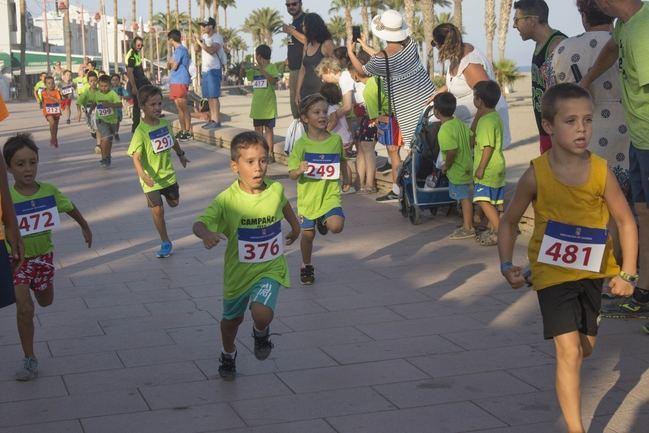La cantera de corredores carboneros celebró el pasado fin de semana la XIV edición de la Carrera Infantil