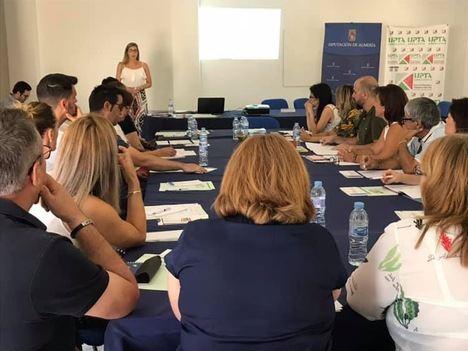 Diputación difunde la cultura del emprendimiento y autoempleo en Fines