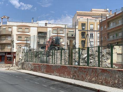 Reducido a escombros el colegio Fenoy de Albox