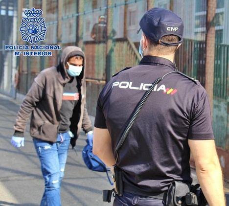 Tres detenidos por patronear pateras con inmigrantes ilegales