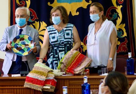 Sandra García visita Níjar y evalúa con Esperanza Pérez las ayudas tras la DANA