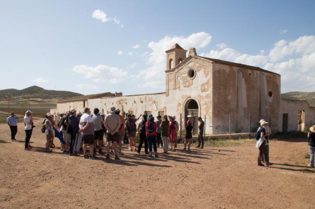 Las rutas de 'Filming Almería' se despiden con un sendero en Cabo de Gata