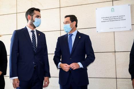 El alcalde de Almería acompaña al presidente Moreno en la inauguración del Materno