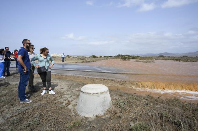 El alcalde recorre Cabo de Gata, La Cañada, El Alquián y San Vicente tras el paso de DANA
