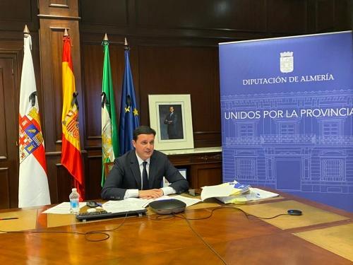 El presidente de Diputación exige desde la FEMP al Gobierno que autorice el uso del 100% del superávit