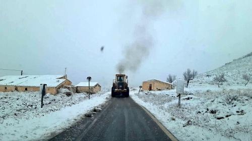 Diputación sigue retirando nieve de las carreteras de Almería