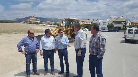 Diputación impulsa la creación de una zona de aparcamiento para cien vehículos en Cela