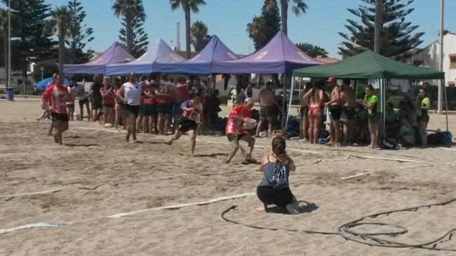 El III Circuito Provincial de Rugby Playa se despide en Roquetas de Mar
