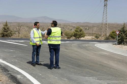 Diputación invierte 300.000 euros en carreteras de Albanchez, Lubrín y Pechina