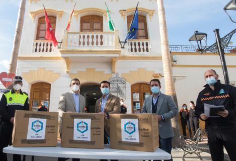 Diputación comienza en Los Gallardos el reparto de 2,1 millones de mascarillas en Almería