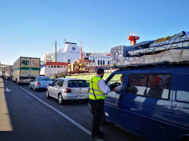 El Puerto de Almería supera los 10.200 pasajeros en la primera semana de la OPE