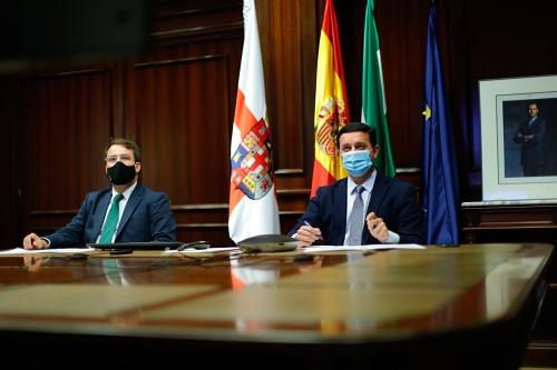Diputación y la Embajada del Reino Unido analizan la situación turística en Almería