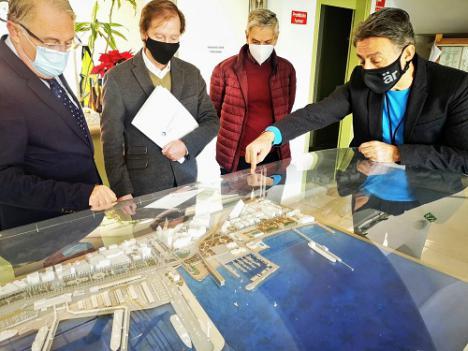 El Muelle de Levante y el frente marítimo de Almería tendrán proyecto en verano