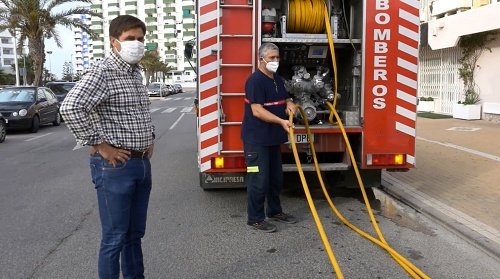 Bomberos del Poniente refuerza la desinfección viaria en Playa Serena
