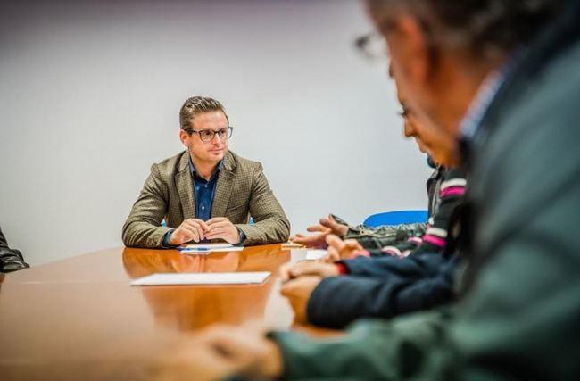 Roquetas modificará la Ordenanza Municipal de publicidad exterior