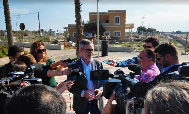 Villegas (Cs) dice que el 'bipartidismo' ha tenido olvidada a Almería