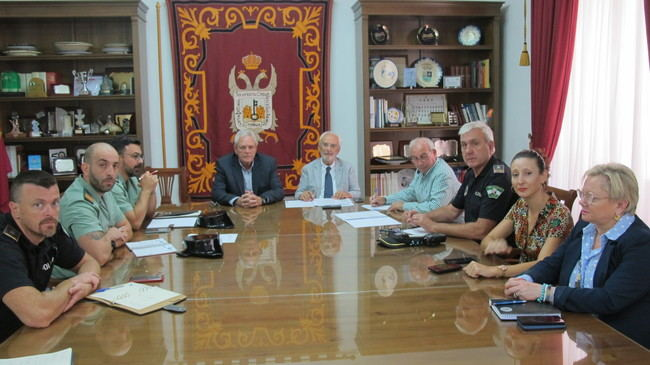 Reunión de la Junta Local de Seguridad en Vera para las fiestas de San Cleofás