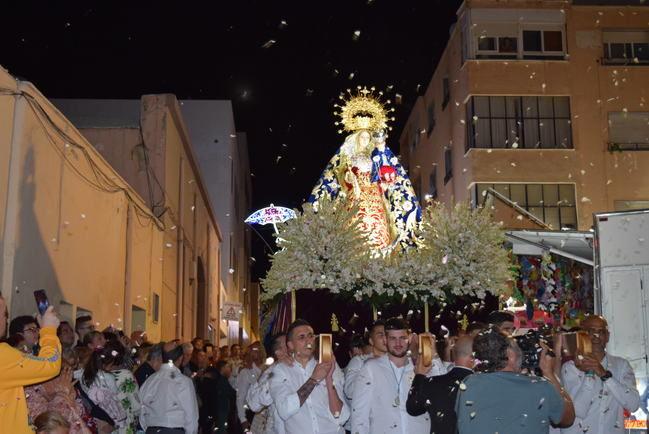 Gádor concluye su Feria y Fiestas con la procesión de la Virgen del Rosario Coronada