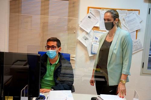 El Ayuntamiento de Roquetas asesora a los afectados por el cierre de Dentix
