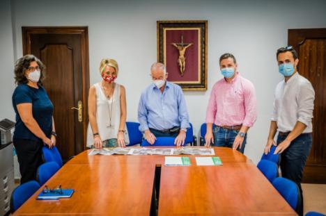 La delegada de Fomento informa al alcalde de Roquetas sobre el Eje Viario del Poniente