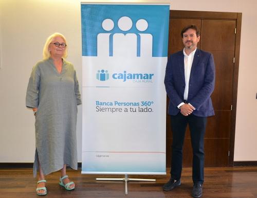 Cajamar y Almería Centro renuevan su colaboración