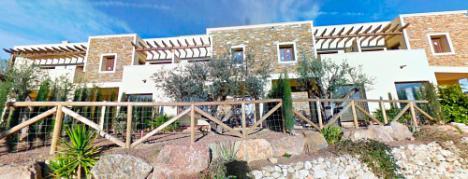 Cajamar y Haya Real Estate venden 770 inmuebles en Almería con descuentos de hasta el 60 %