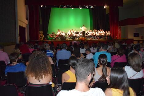 La Asociación Musical y la Scholl Band pone el broche musical al Verano Cultural en Gádor