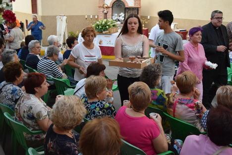"""El barrio gadorense de """"El Salitre"""" celebra sus fiestas en honor a San Antonio"""