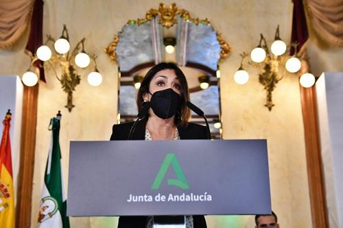 La presidenta del Parlamento destaca el papel de Almería 'reforzando' la identidad andaluza