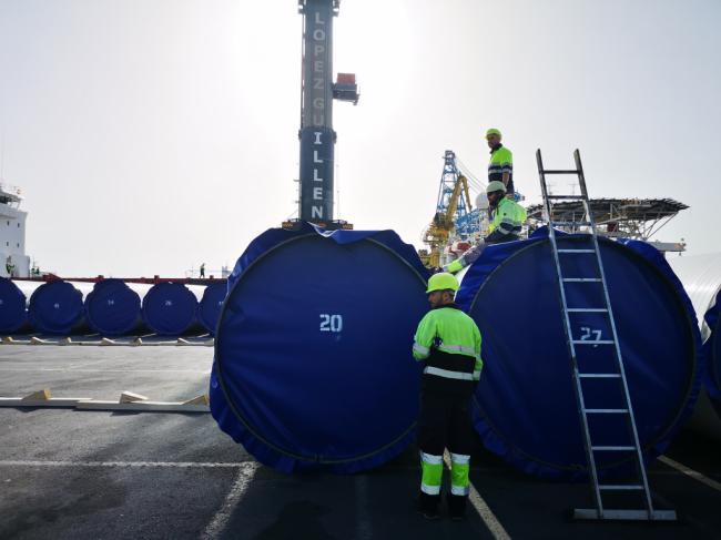 El transporte internacional de mercancías en el puerto de Almería crece un 42,7% hasta febrero