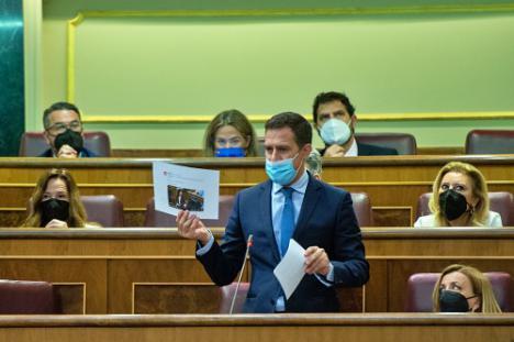 """Castellón denuncia que """"la agenda fiscal del Gobierno es la de abrasar a empresas y familias"""""""