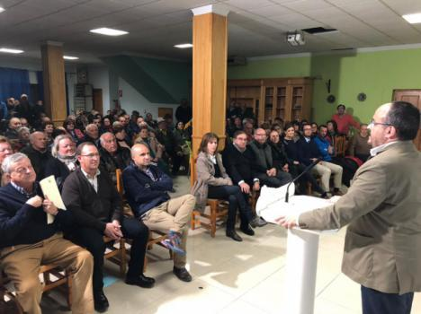 El presidente del PP catalán dice en Macael que es hora del
