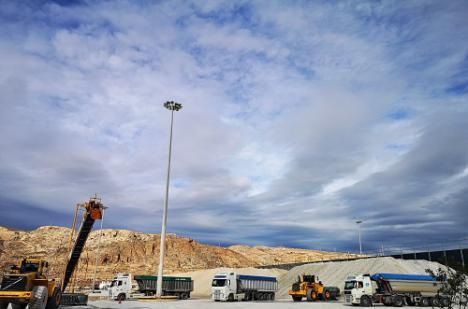 Habrá dos estaciones lava-ruedas de camiones en el Puerto de Almería