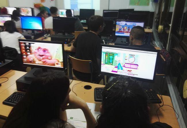 Estudiantes de Adra desarrollan sus habilidades emprendedoras con Music Hero