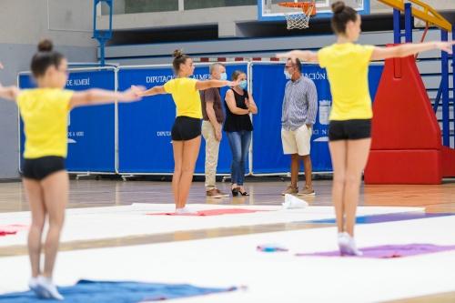 El Pabellón Moisés Ruiz acoge una master class de gimnasia rítmica