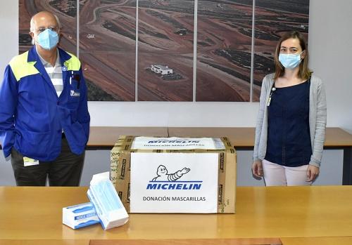 Michelín dona 2.000 mascarillas a pequeñas empresas de Almería