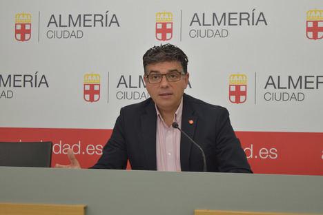 """Miguel Cazorla: """"El equipo de gobierno es el único responsable de que este año el programa de Feria no cuente con la Travesía al Puerto"""""""