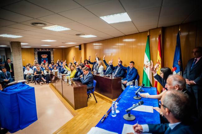 Cs no apoya a Amat y éste integra a Vox en el Gobierno de Roquetas