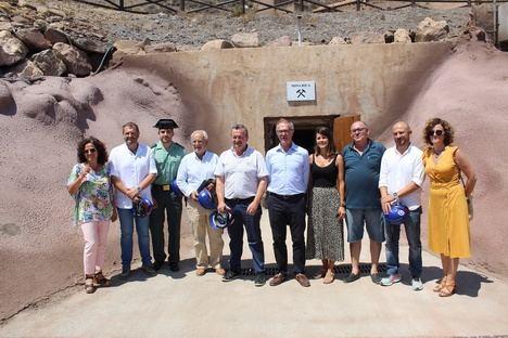 El Ministro de Cultura José Guirao visita la Geoda de Pulpí