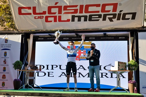 Giacomo Nizzolo gana La Clásica Ciclista de Almería