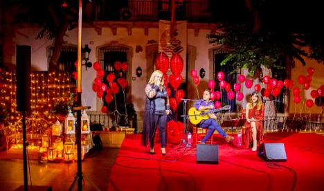 "La Villa de Níjar celebra ""La Noche Romántica"""