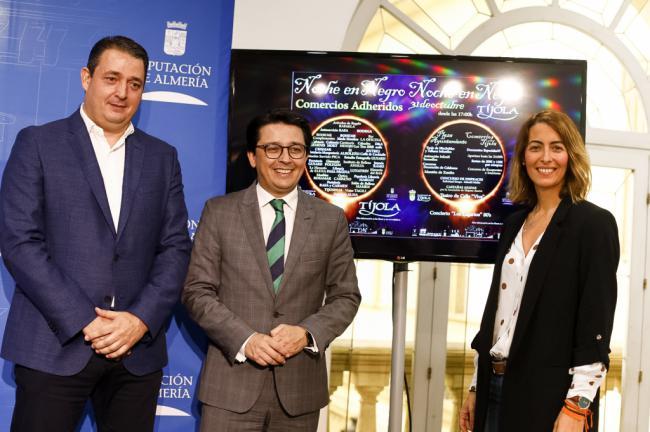 Diputación apoya la I Noche en Negro de Tíjola para incentivar el comercio local