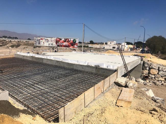 Recta final de las obras de acondicionamiento de la carretera del aeropuerto a El Alquián