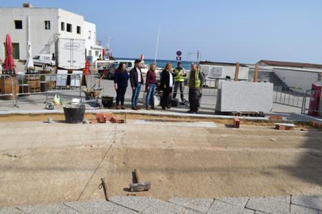 El Ayuntamiento de Níjar acondiciona la Plaza abierta al mar de Las Negras
