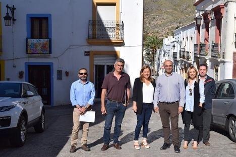 El Ayuntamiento de Níjar sustituirá la pavimentación del entorno de la Glorieta de la Villa