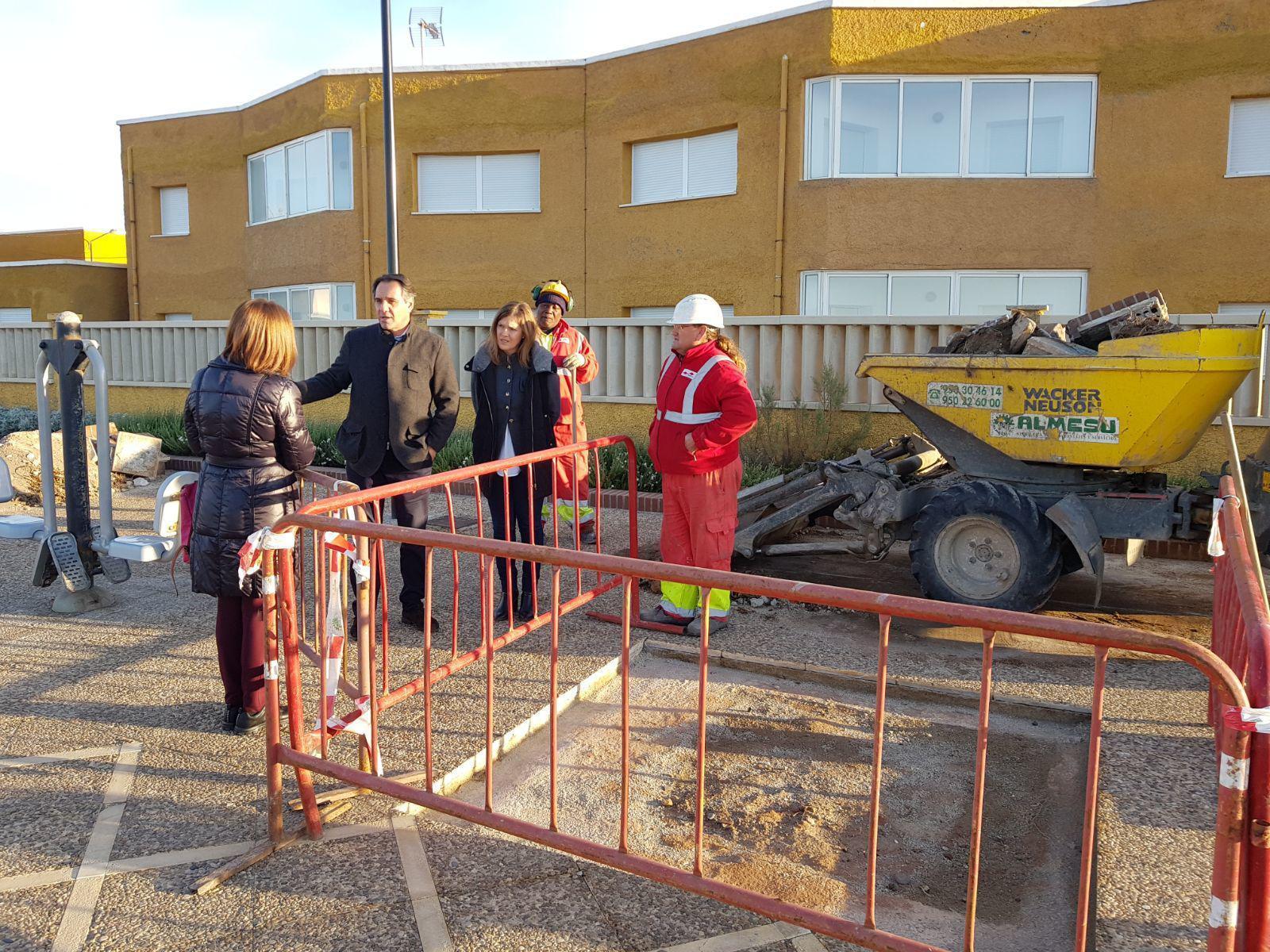 El Ayuntamiento reanuda las obras en el Paseo Marítimo de Cabo de ...