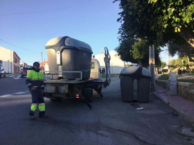 Vera estrena contenedores de basura