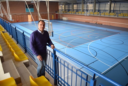 El Pabellón Deportivo de la UAL estrena nueva superficie de pista